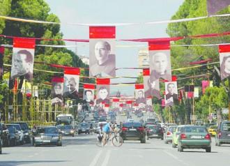 Đức Thánh Cha Phanxicô đến Albania, một đất nước đa tôn giáo