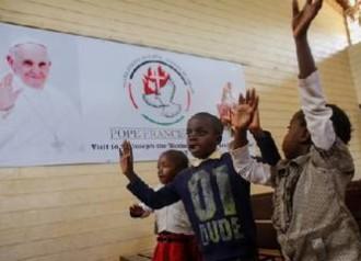 Cộng Hòa Trung Phi: Ba Ông Thánh và Một Vị Giáo Hoàng