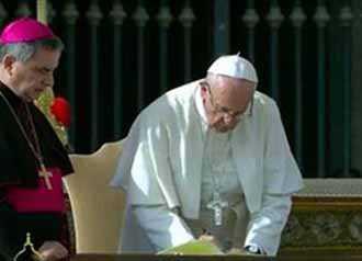 Đức Thánh Cha Phanxicô phê chuẩn nghị định các án phong thánh